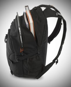 High Sierra Loop Backpack compartments